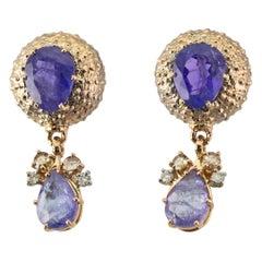 18 Karat Gold Gr. 13.55, Tanzanite Carat 11.92, Diamonds Carat 0.44, Earrings