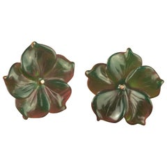 18 Karat Gold Green Agate Flower Handmade Italian Girl Carved Stud Earrings