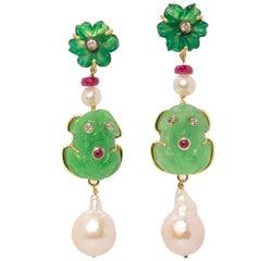 """18 Karat Gold Green Jade 0.08 Karat White Diamonds Ruby """"Froggy"""" Dangle Earrings"""