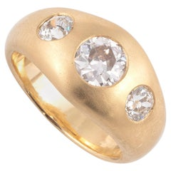 18 Karat Gold Half-Ring Ring Set with Three Old Fashioned Cut Diamonds