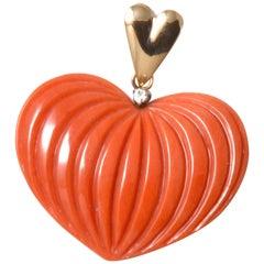 18 Karat Gold Heart Shaped Japanese Momoiro Sango Coral Pendant Top with Diamond