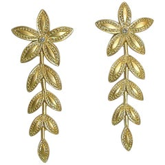 18 Karat Gold Leaf Pattern Earrings with Diamonds