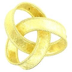 18 Karat Gold Lovers Knot Pin