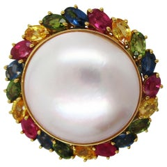 18 Karat Gold Mabe Pearl Rainbow Orient Multi-Color Sapphire Brooch Pin