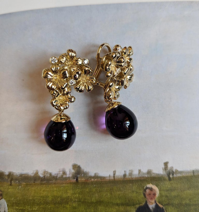 18 Karat Gold Modern Drop Transformer Plum Earrings with Diamonds and Amethyst For Sale 6