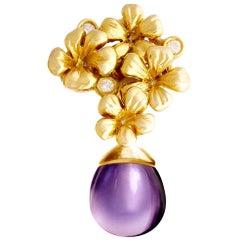 18 Karat Yellow Gold Modern Artisan Pendant Necklace with Diamonds