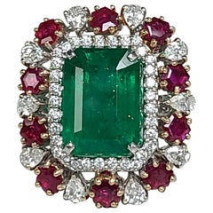 18 Karat Gold, Natural Emerald and Un-Heat Ruby Ring with Diamonds