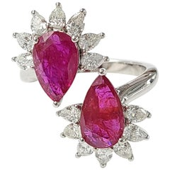 18 Karat Gold Natural Mozambique, Pear Shaped Ruby and Diamonds Cocktail Ring