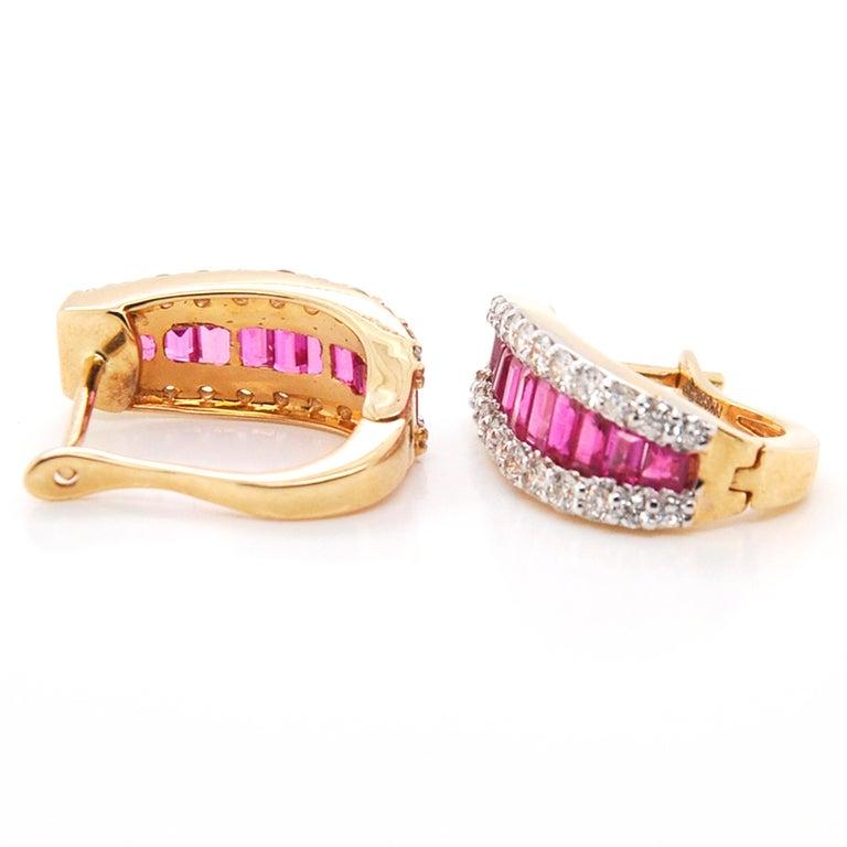 18 Karat Gold Natural Ruby Diamond Huggies Pendant Necklace Earrings Ring Set For Sale 5