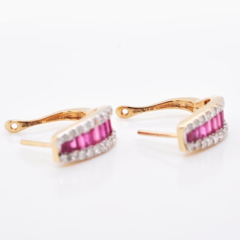 18 Karat Gold Natural Ruby Diamond Huggies Pendant Necklace Earrings Ring Set For Sale 6