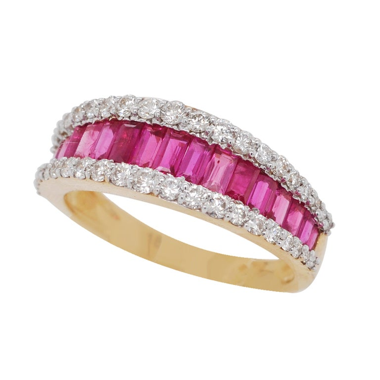 18 Karat Gold Natural Ruby Diamond Huggies Pendant Necklace Earrings Ring Set For Sale 7
