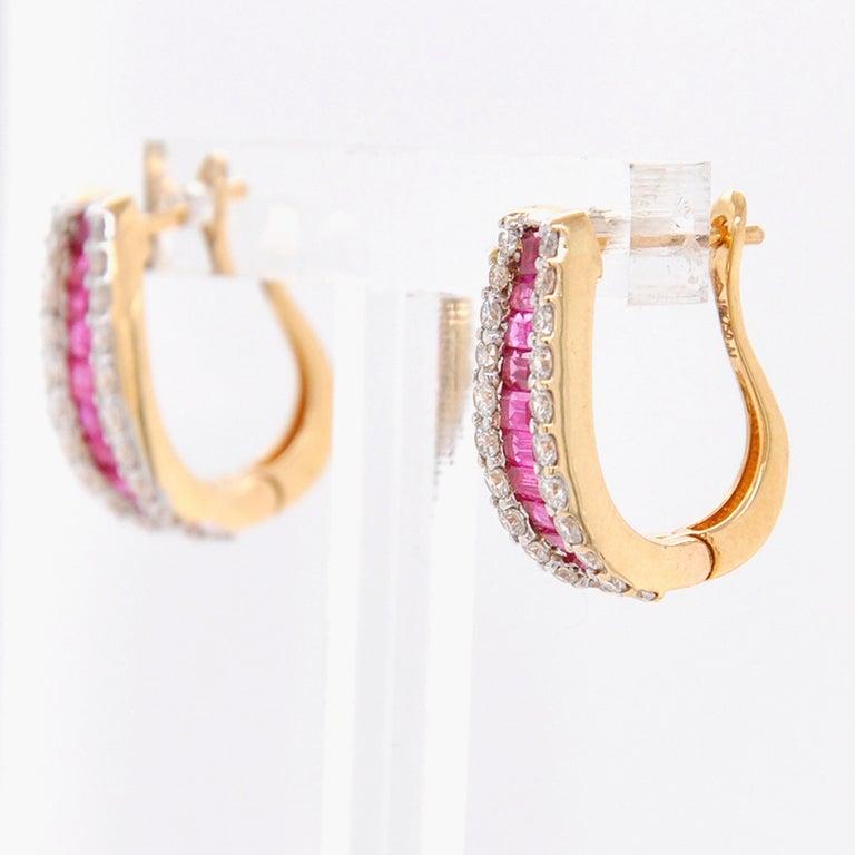 18 Karat Gold Natural Ruby Diamond Huggies Pendant Necklace Earrings Ring Set For Sale 4