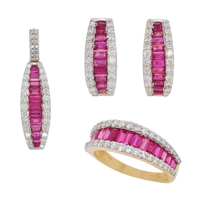 18 Karat Gold Natural Ruby Diamond Huggies Pendant Necklace Earrings Ring Set For Sale