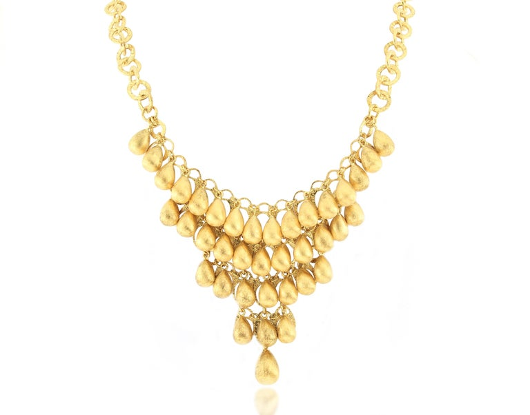 Contemporary 18 Karat Gold Necklace For Sale