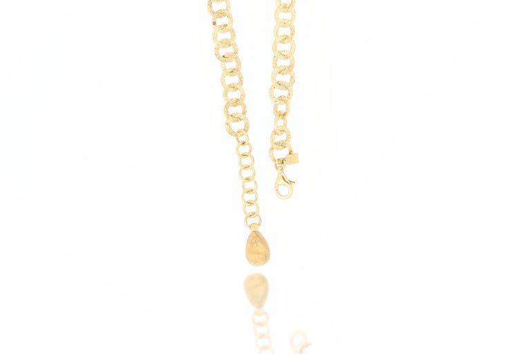 18 Karat Gold Necklace In New Condition For Sale In Macau, MO