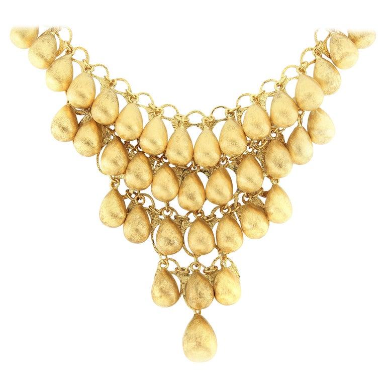 18 Karat Gold Necklace For Sale