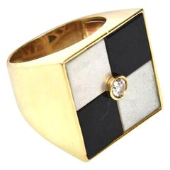 18 Karat Gold, Onyx and Mother of Pearl Vintage Geometric Ring Italian Vintage
