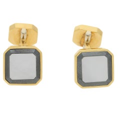 Vintage Piaget Cufflinks in 18 Carat Yellow Gold with Onyx and Mother-of-Pearl