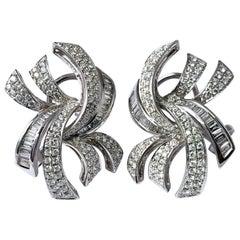 18 Karat Gold Baguette Pavé Diamond Earrings