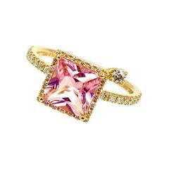 18 Karat Gold Pink Tourmaline and Diamonds Italian Ring