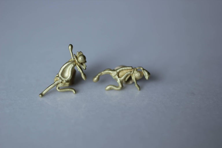 Contemporary 18K Gold Stud Figurine Pair of Earrings Minimalist Dynamic Modern Sculptures  For Sale