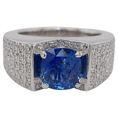18 Karat Gold Ring .92 Brilliant Diamonds and Ceylon No Heat 2.35 Carat Sapphire