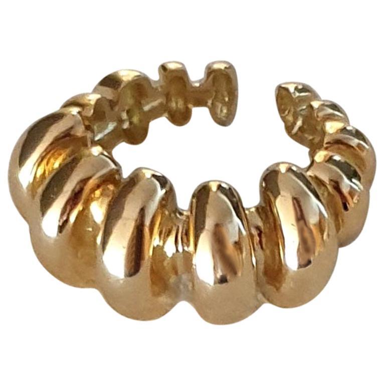18 Karat Gold Ring For Sale