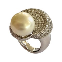 18 Karat Gold Ring Signed: CANTEMESSA, Set with 218 Diamonds and One '1' Pearl