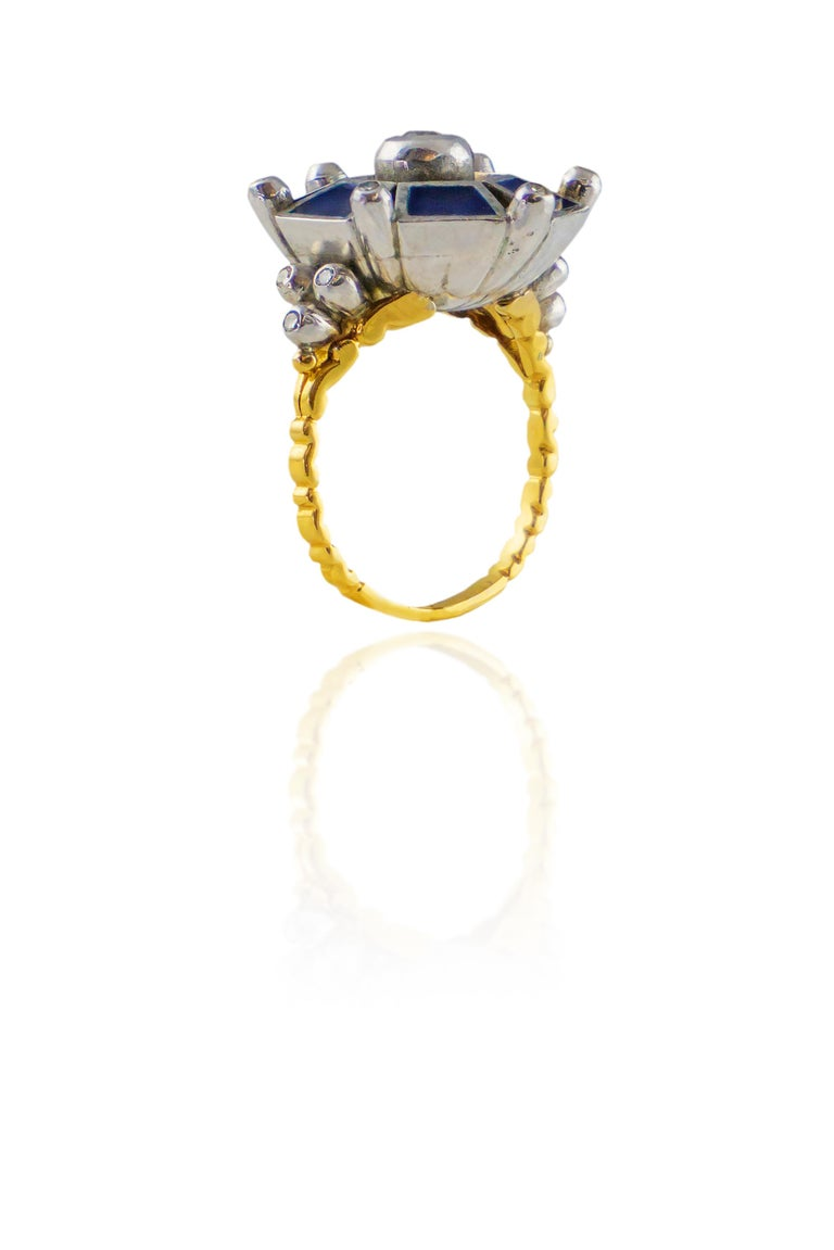 18 Karat Gold Ring with Diamonds For Sale 2