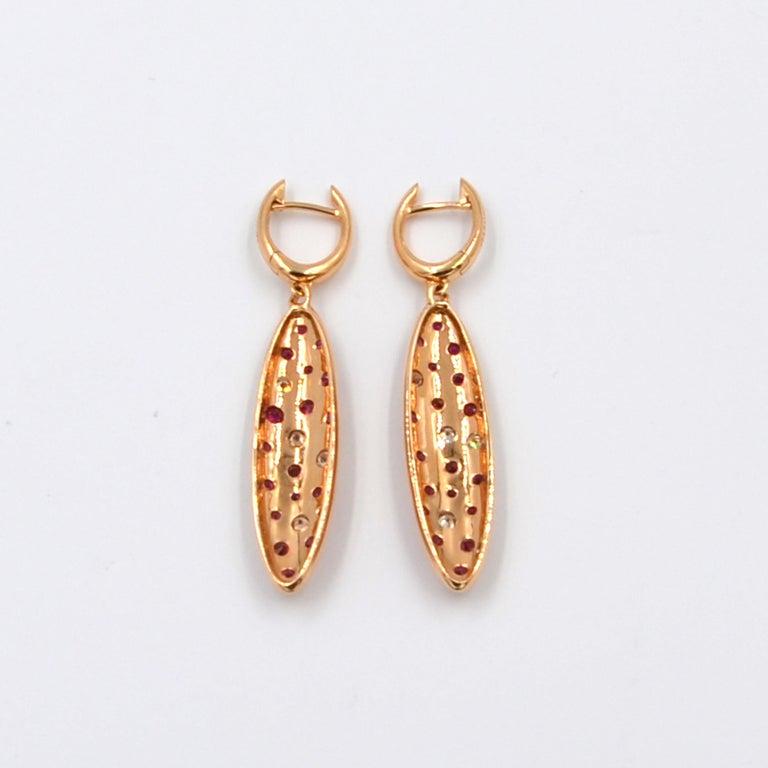 18 Karat Gold Rubies and Brown Diamonds Garavelli Matte Earrings Pendant Set For Sale 4