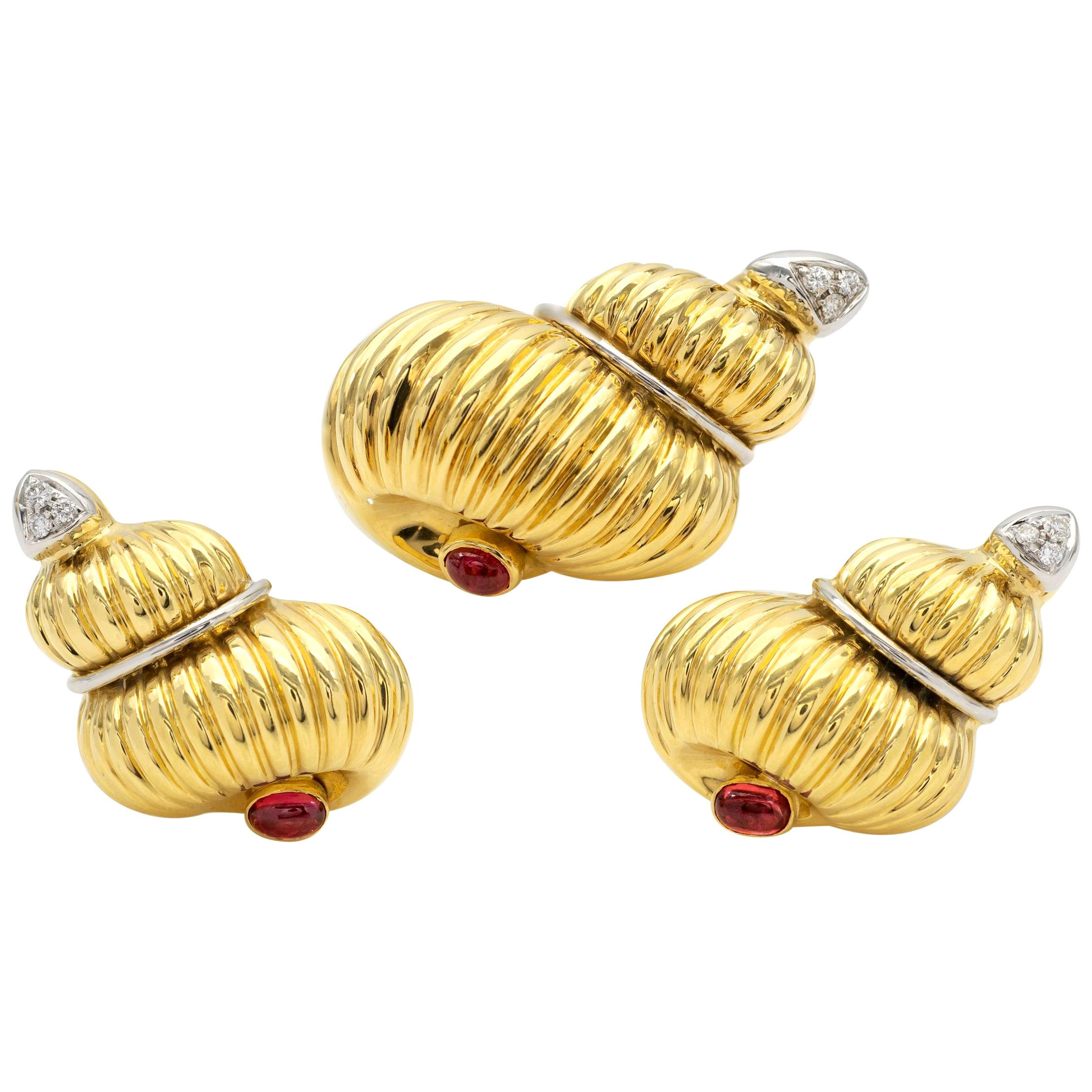 18 Karat Gold Ruby and Diamond Earrings and Brooch Jewelry Set