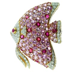 18 Karat Gold Pink Sapphire Diamond Ruby Pave Fish Pin Scarf Clip Piscis Brooch