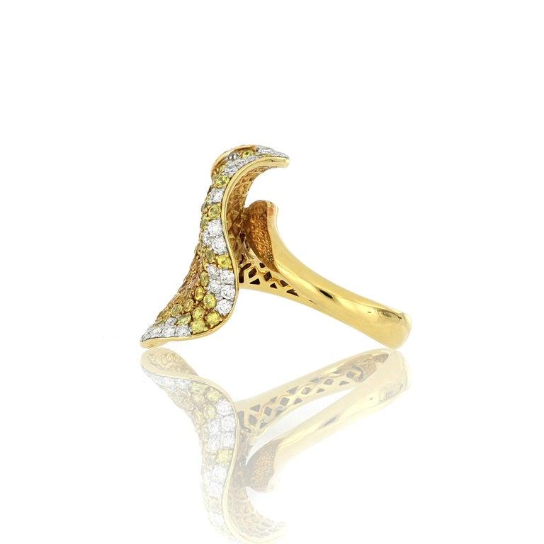 Brilliant Cut 18 Karat Gold Sapphire and Diamond Ring For Sale
