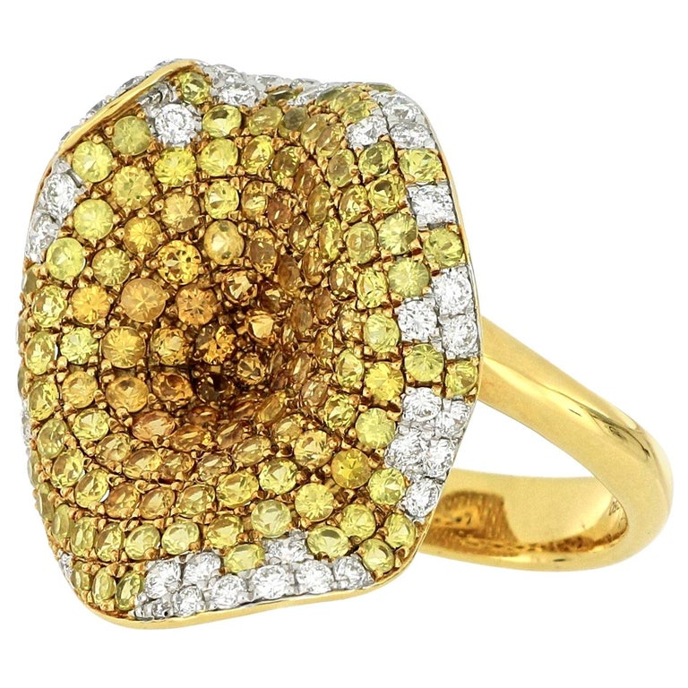 18 Karat Gold Sapphire and Diamond Ring For Sale