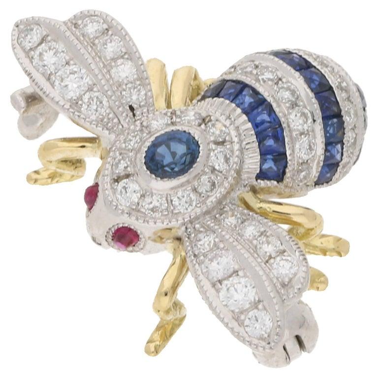 18 Karat Gold Sapphire Diamond Bee Brooch For Sale