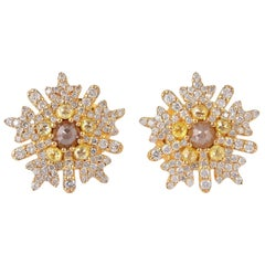 18 Karat Gold Snowflakes Slice Diamond Stud Earrings