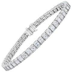 18 Karat Gold Square Step Cut Diamond 14.90 Carat Half Bezel Set Line Bracelet