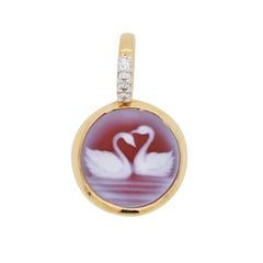 18 Karat Gold Swan Agate Cameo Diamond Pendant Necklace
