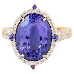 18 Karat Gold Tanzanite Diamond Ring