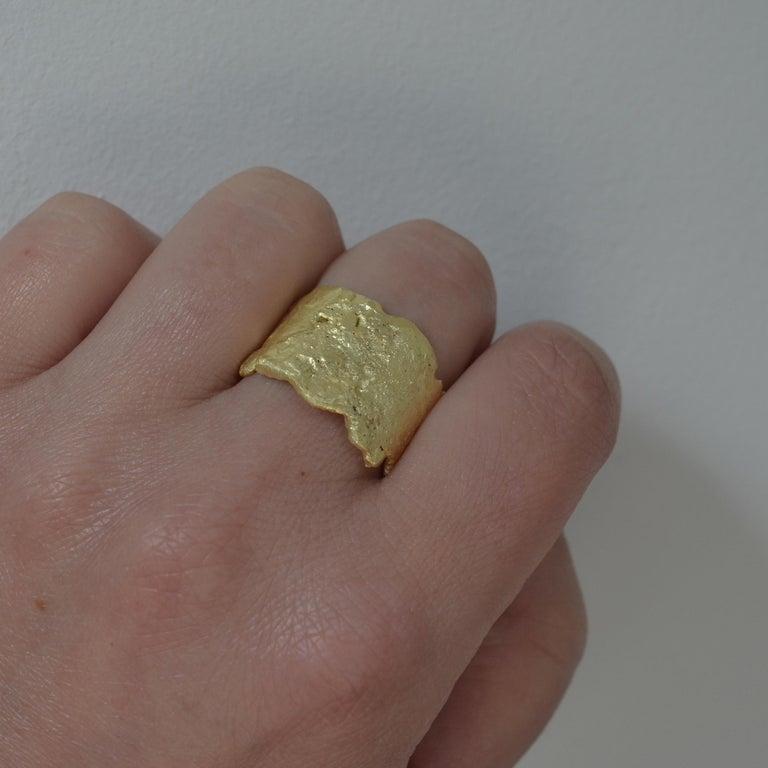 18 Karat Gold Textured Wide Ring Handmade by Disa Allsopp For Sale 5