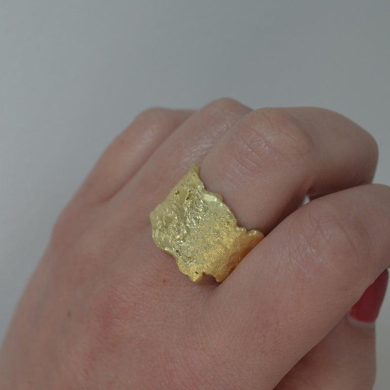 18 Karat Gold Textured Wide Ring Handmade by Disa Allsopp For Sale 3