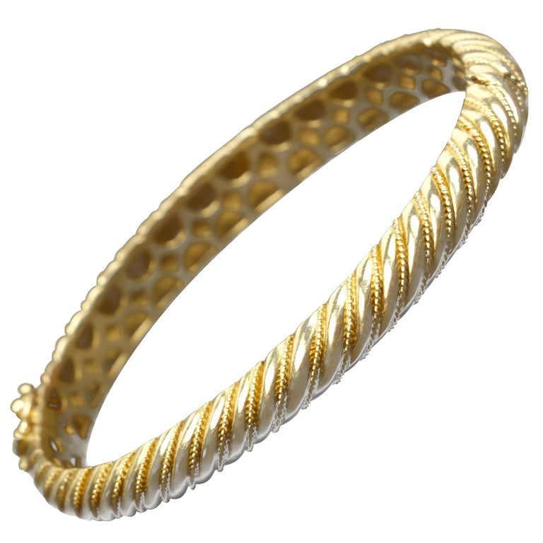 18 Karat Gold Torsade Bracelet For Sale