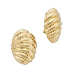 18 Karat Gold Vertical Clam Clip-On Earrings by Turi