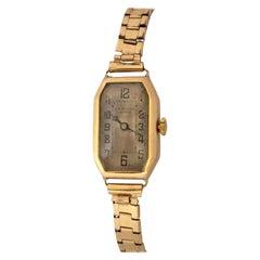 18 Karat Gold Vintage 1920s J.W. Benson London Ladies Mechanical Watch