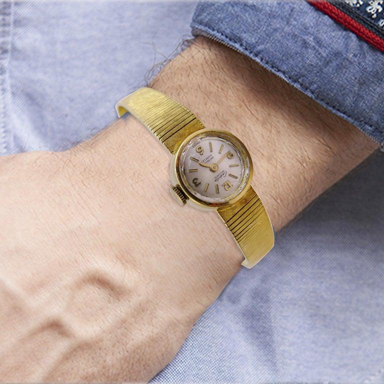 Women's 18 Karat Gold Vintage Cadola Neuchatel Watch Swiss For Sale
