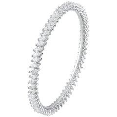 18 Karat Gold White Diamond Bangle