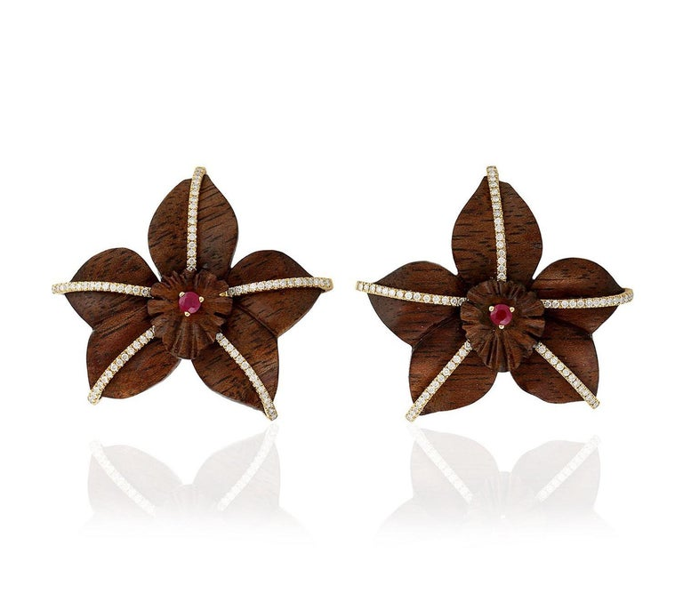 18 Karat Gold Wood Ruby Diamond Earrings In New Condition For Sale In Hoffman Estate, IL