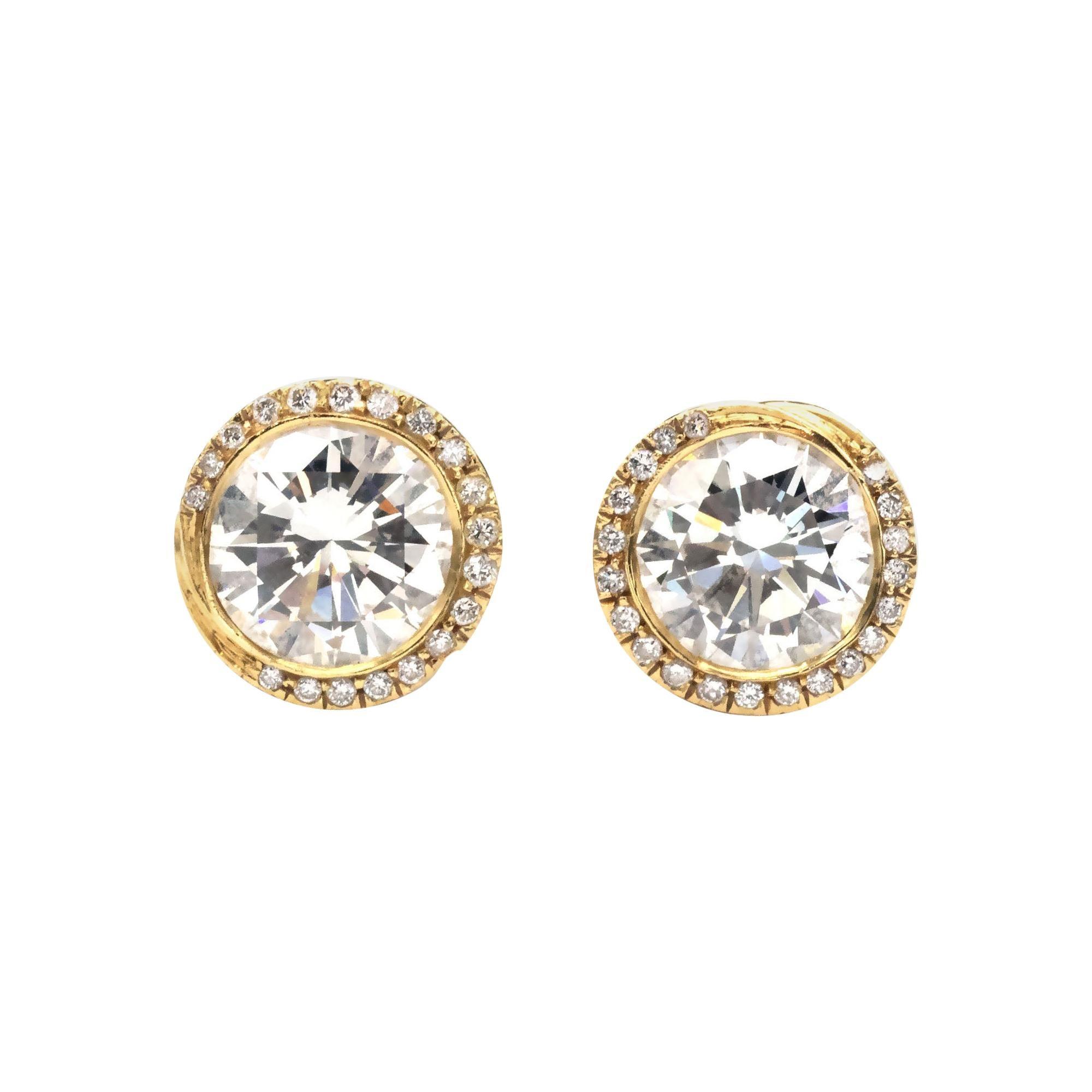 2.43 carat Diamond 18 Kt Hand Engraved Gold Stud Earrings