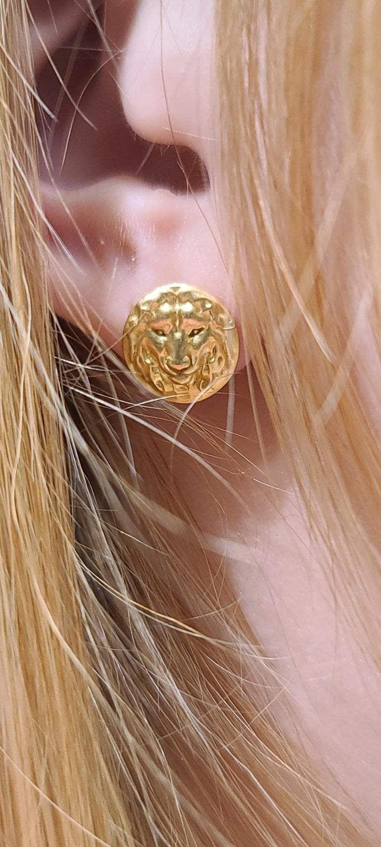 18 Karat Green Gold Lion Stud Earrings, The new king of the jungle made especially for the ears now! Absolutely fearless.  Can you hear the roar? It's so close to your ear now , I bet you could. Who does not want to go on a safari?  Polished. 11.5