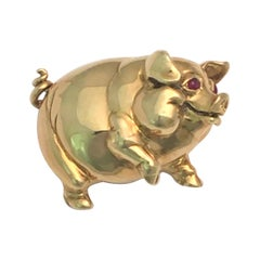 18 Karat Happy Pig Brooch with Ruby Eyes